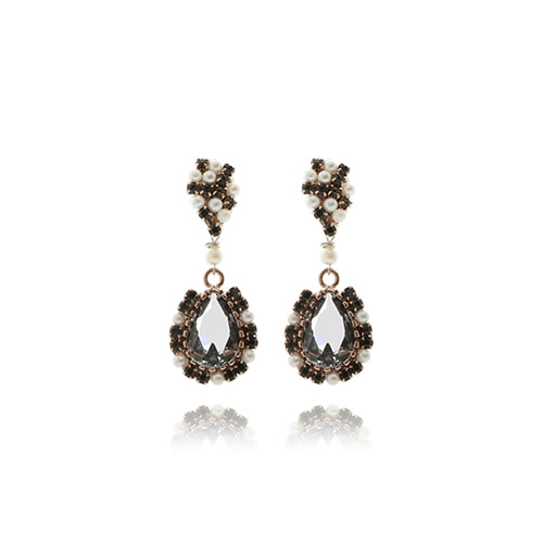Crystal Drop Earrings(black)