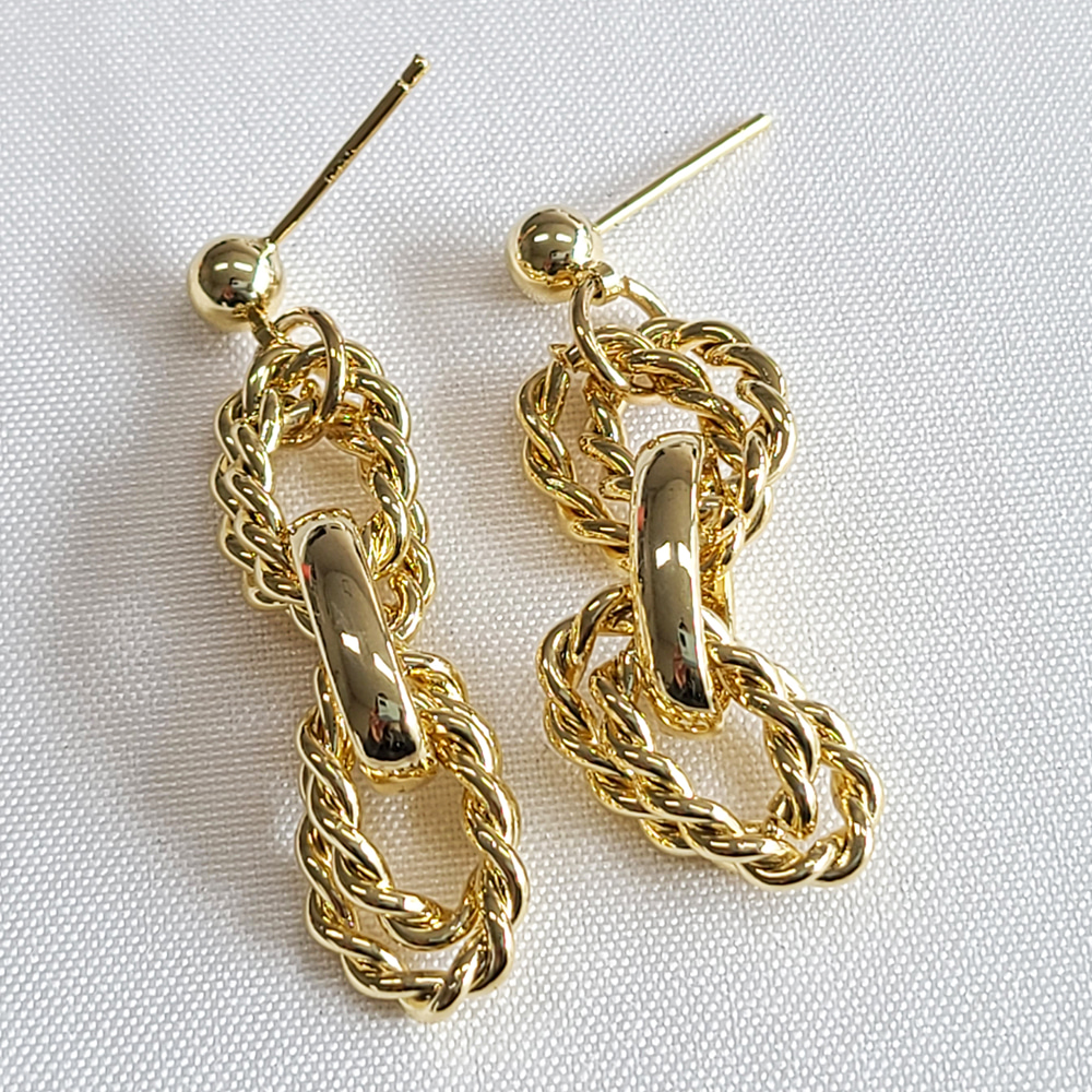 Oval Bold Chain Earrings